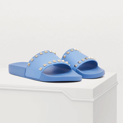 LE SLIDES SONO IL MUST-HAVE DEL GUARDAROBA ESTIVO